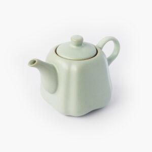 théière porcelaine; goutte de thé 709